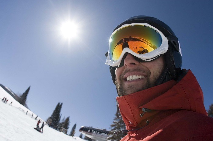 Everything You Should Know Before Buying Snow Goggles
