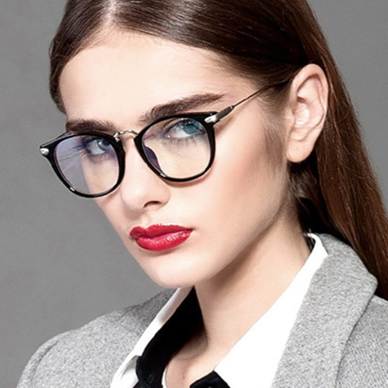 ae8cacbd4e0 Why Some Glasses Are So Expensive   Why Some Are Sold at a Bargain –  Youreyewearguide.com