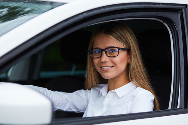 How to Choose The Right Glasses or Sunglasses for Driving