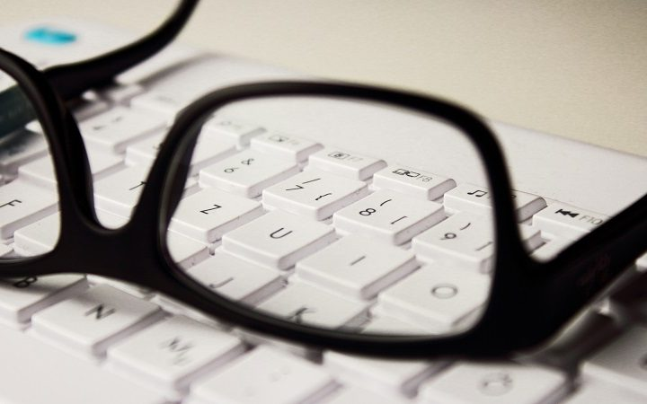 5 Ultimate Tips for Purchasing Glasses Online